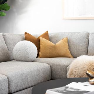 10-Scandinavian living room-black coffee