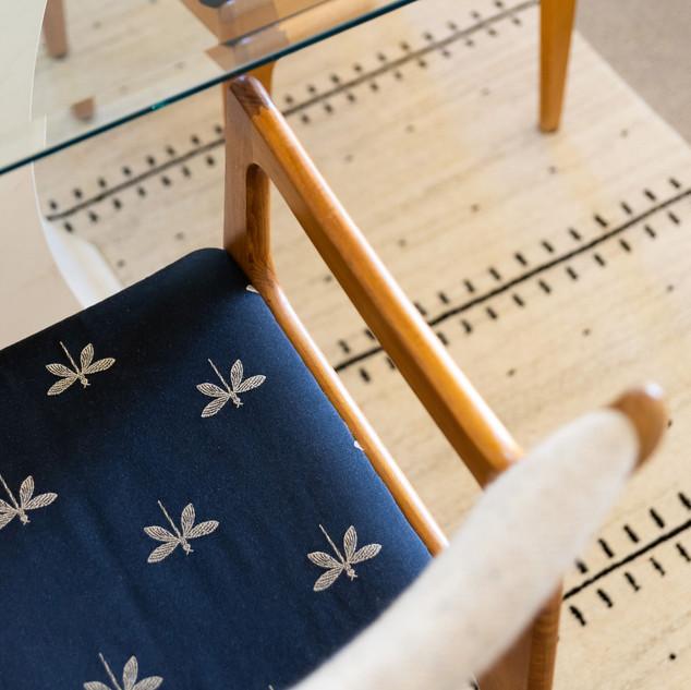 6-dragonfly-antique-chair-modern-white-b