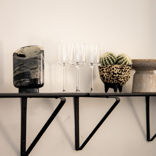38-modern wall decor-modern bar decor-mo