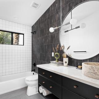 35-scandinavian modern bathroom-black va
