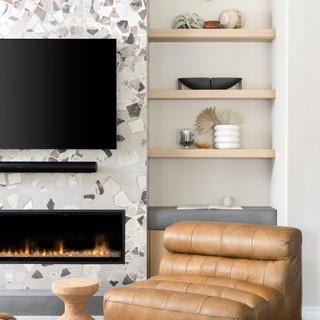 12-Scandinavian living room-white plante