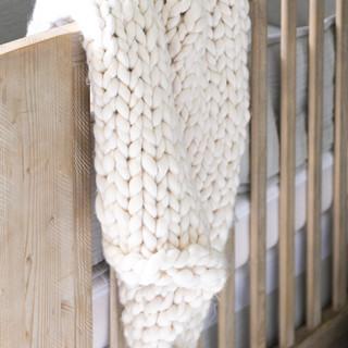 20-Nursery-baby-room-design-natural-wood