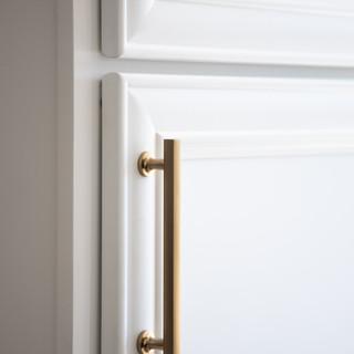 27-white kitchen cabinets-minimal kitche