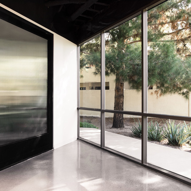 27-pivot door-industrial pivot door-offi