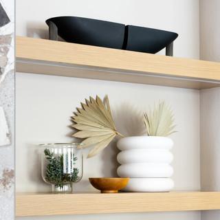 16-Scandinavian living room-white plante
