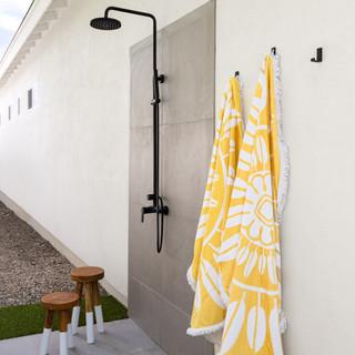 33-concrete outdoor shower-scandinavian