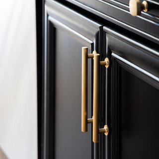 26-black kitchen cabinet-brass hardware-