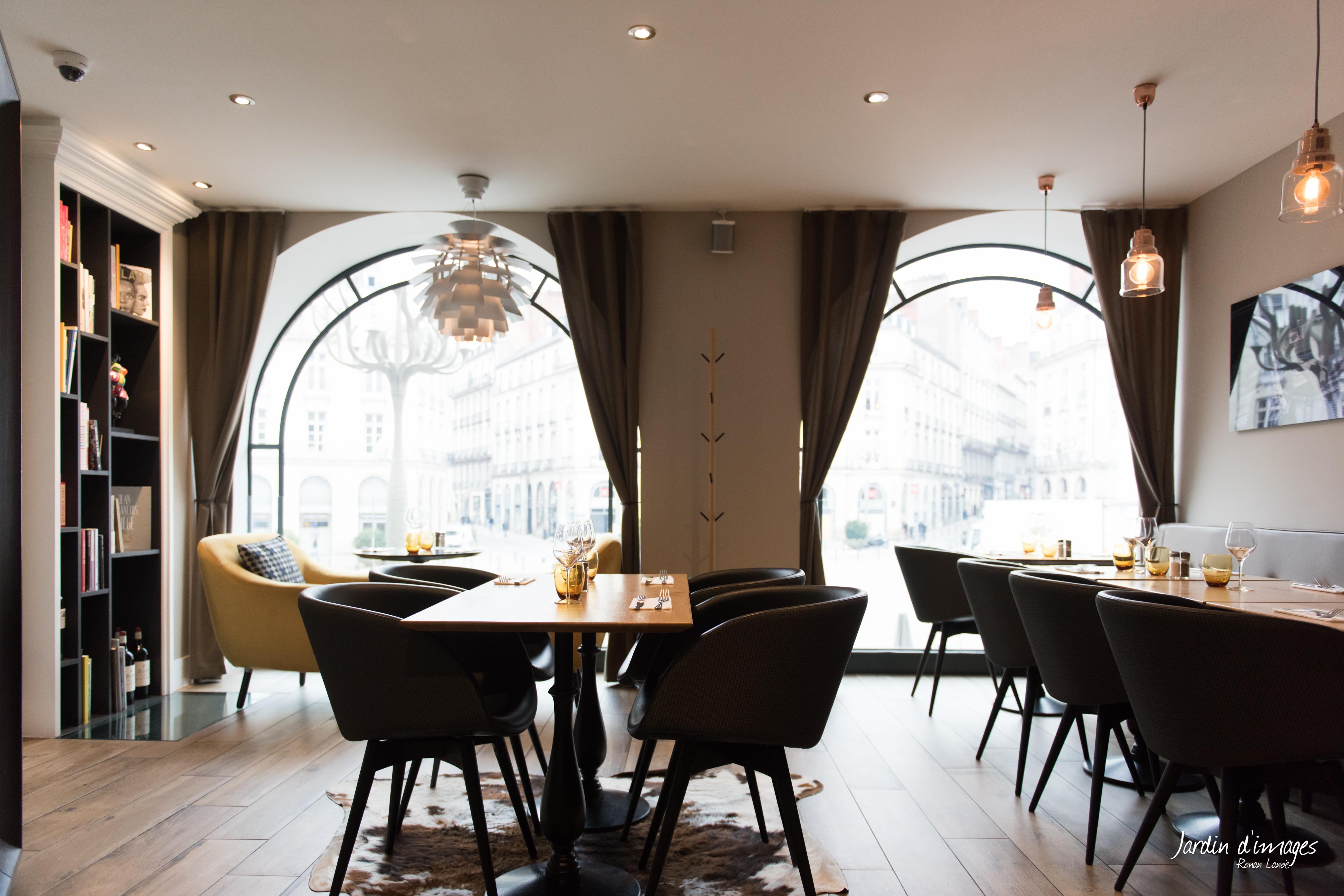 photo magazine restaurant