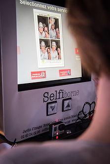 envoyez votre selfie par mail et/ou imprimez le !