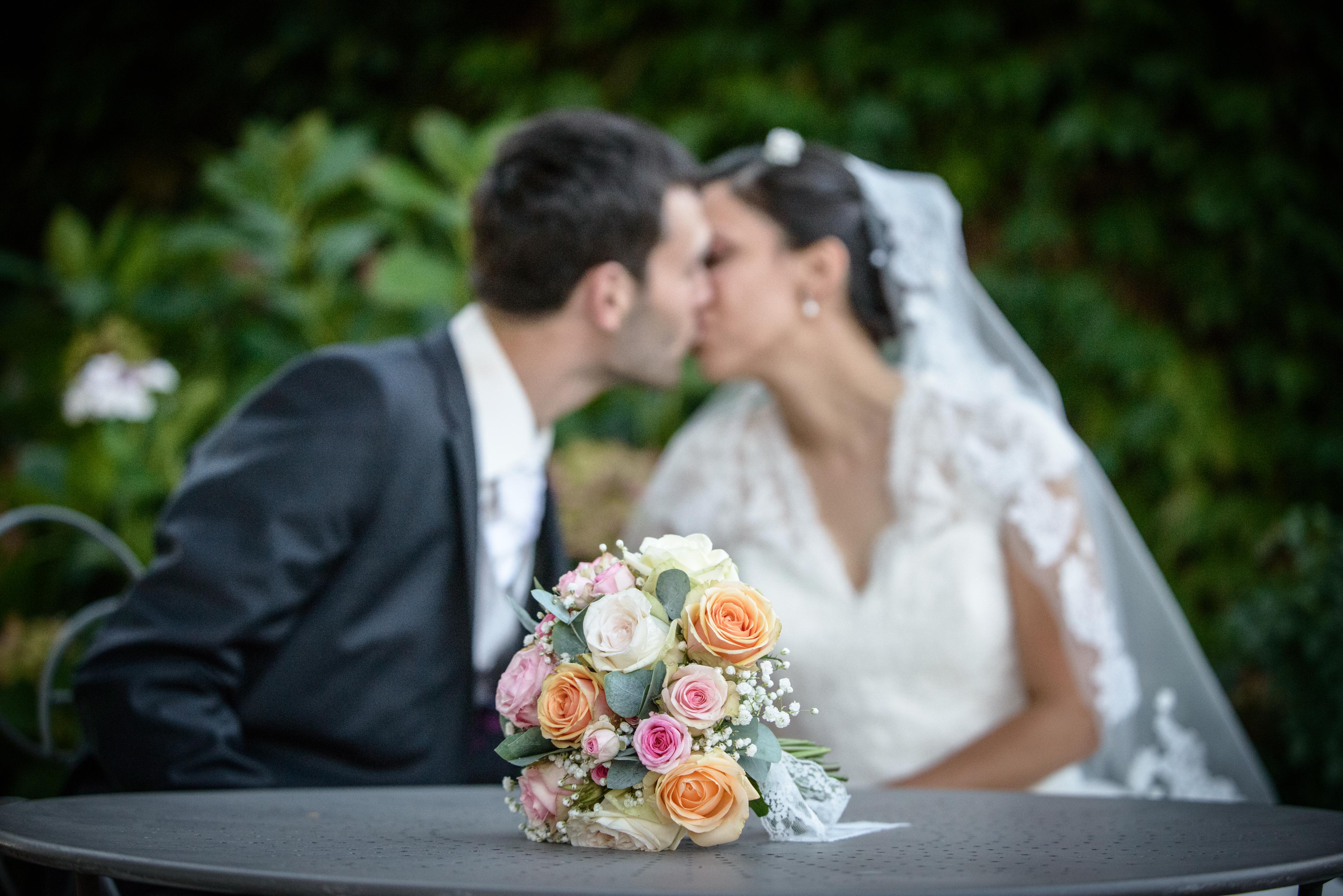 photographe bisou mariage