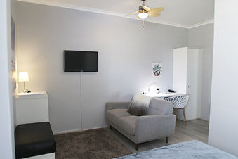 Room 7 Lounge.jpg