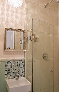 Room 3, Bathroom.jpg