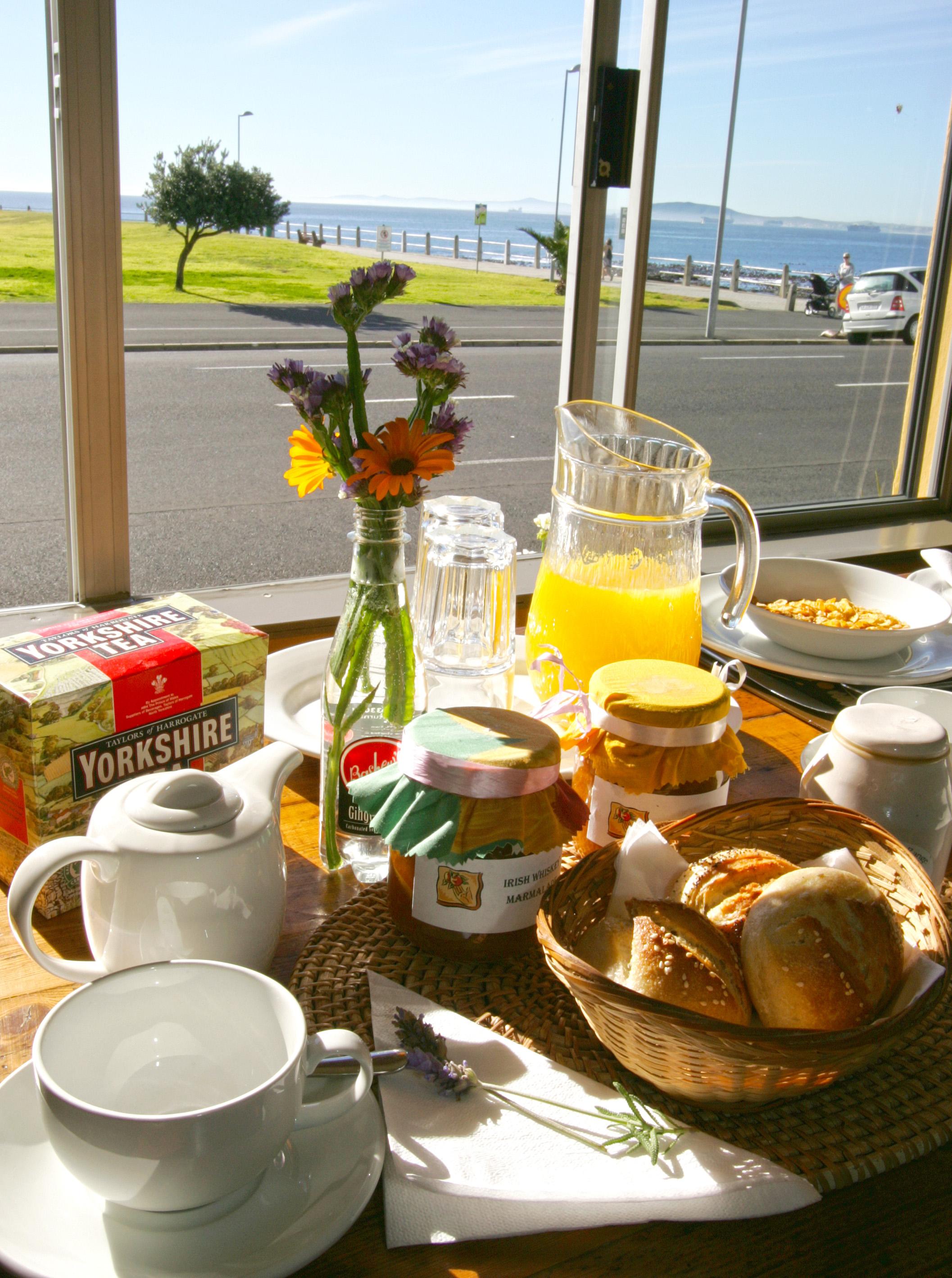 Breakfast at the Dolphin Inn 2
