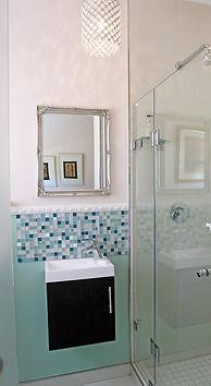 Room 3 Bathroom b.jpg