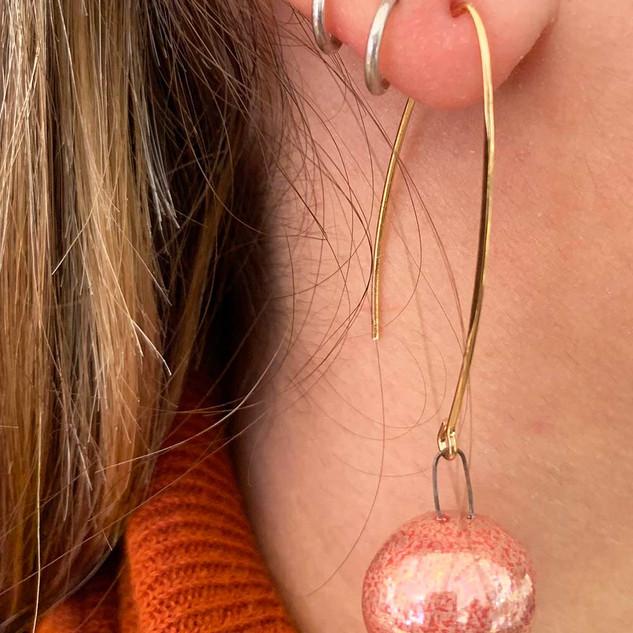 Boucles d'Oreille Longues Rose Irisé