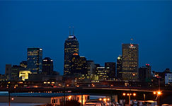 Downtown_Indianapolis_Skyline_at_Night.j