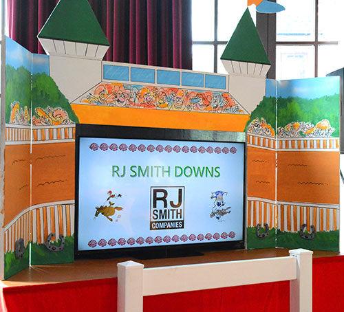 horse-race-display-RJ-downs.jpg