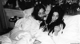 WorldLink: In bed with John Lennon and Yoko Ono