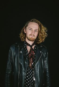 Henry Gottelier - Guitar/Vocals