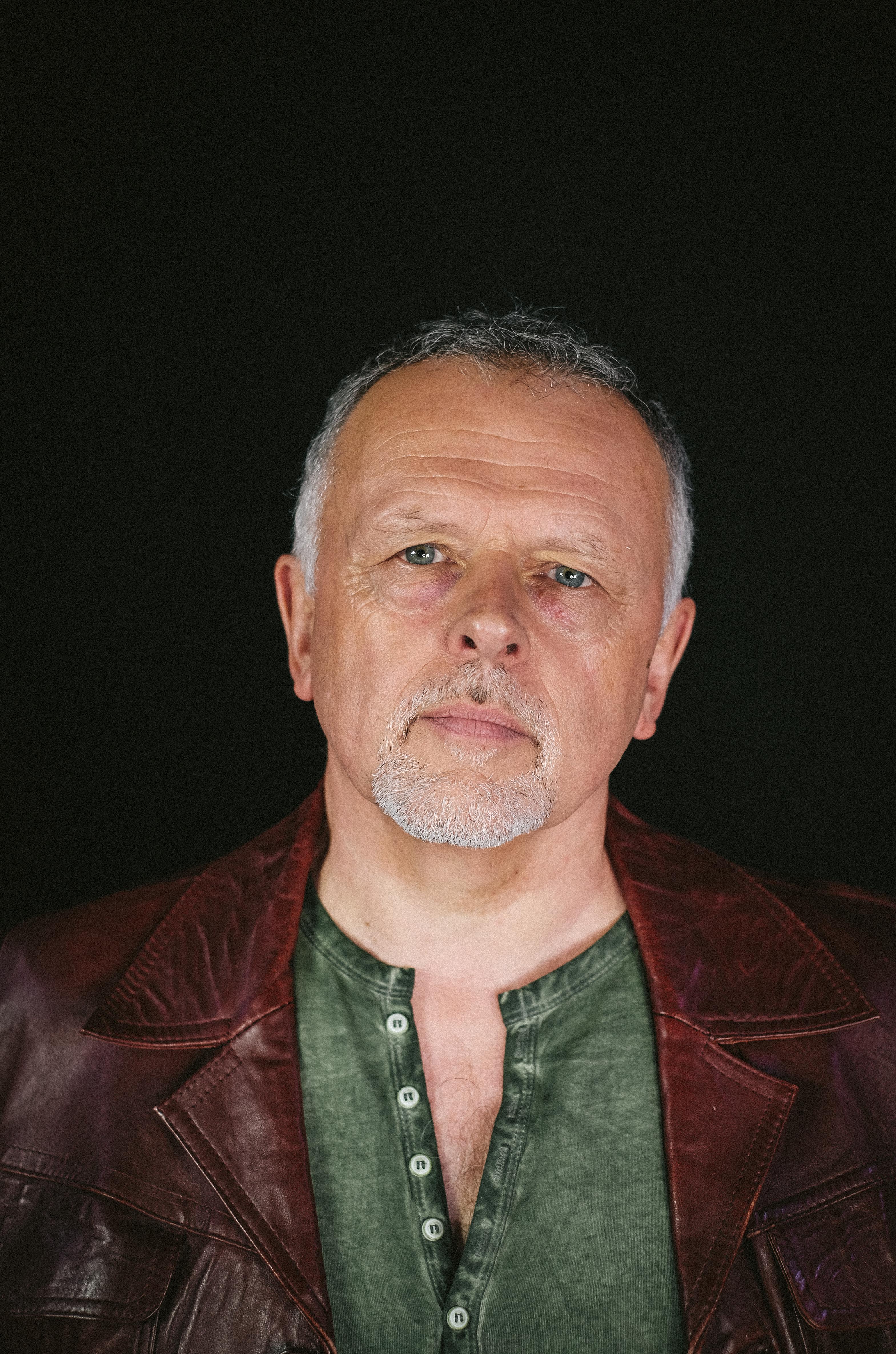 Clive Furness - Guitar/Vocals