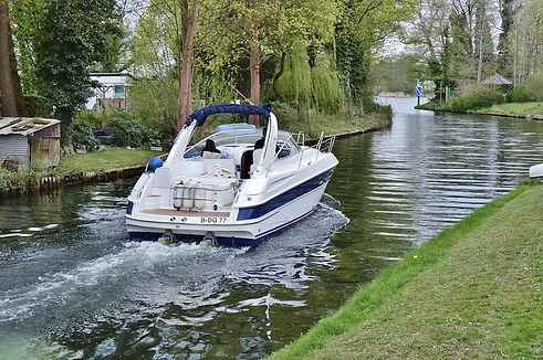 bateau fluvial.jpg