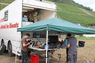 Werkstatttruck hilft Weinbauern