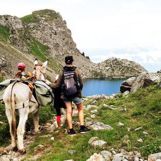 Avec un âne sherpa
