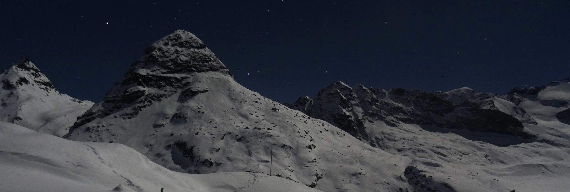 Nocturne hiver en raquettes à neige