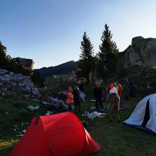 Lever de soleil et petit déjeuner en montagne