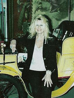 Arlette Schlumpf itw.jpg