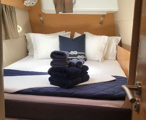 Starboard aft cabin.jpg
