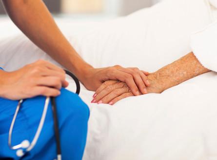 REFLEXÃO: Médico e o paciente em estado terminal.