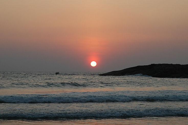 19  Leaving the sunset - Palolem beach,Goa   © Louis Divine 2017
