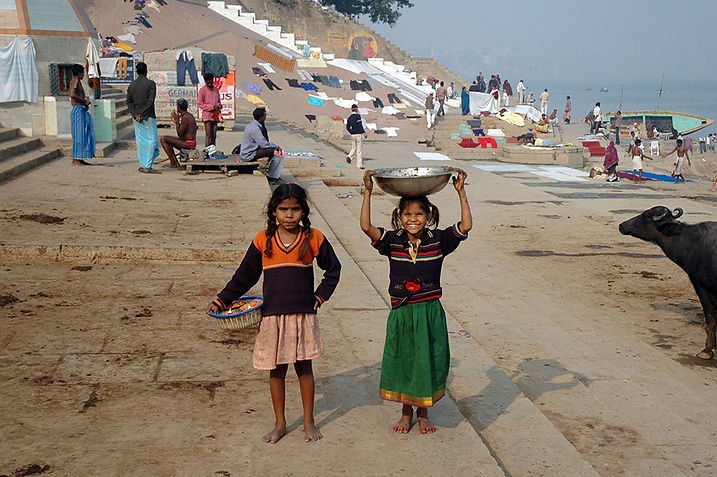 4   Two girls - Varanasi, Uttar Pradesh   © Louis Divine 2017  
