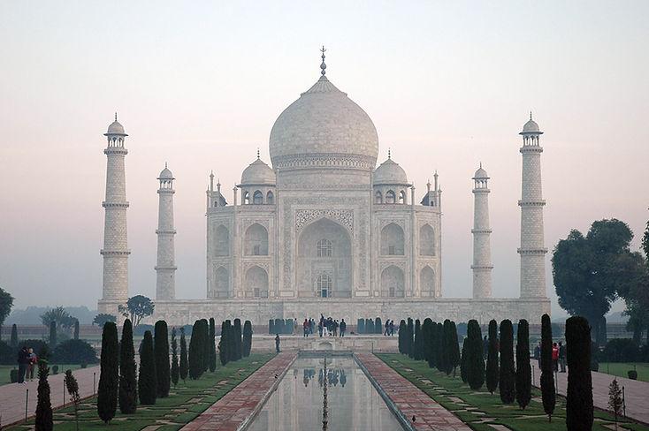 18  Taj Mahal - Agra, Uttar Pradesh   © Louis Divine 2017
