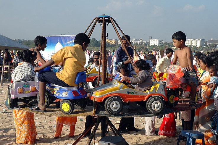 8  Beach fun fair - Chennai, Tamil Nadu   © Louis Divine 2017