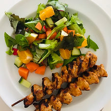 Kyllingespyd og salat