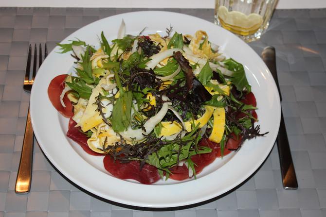 Super lækker efterårssalat. Tak Jamie Oliver, for opskriften på denne delikate salat.