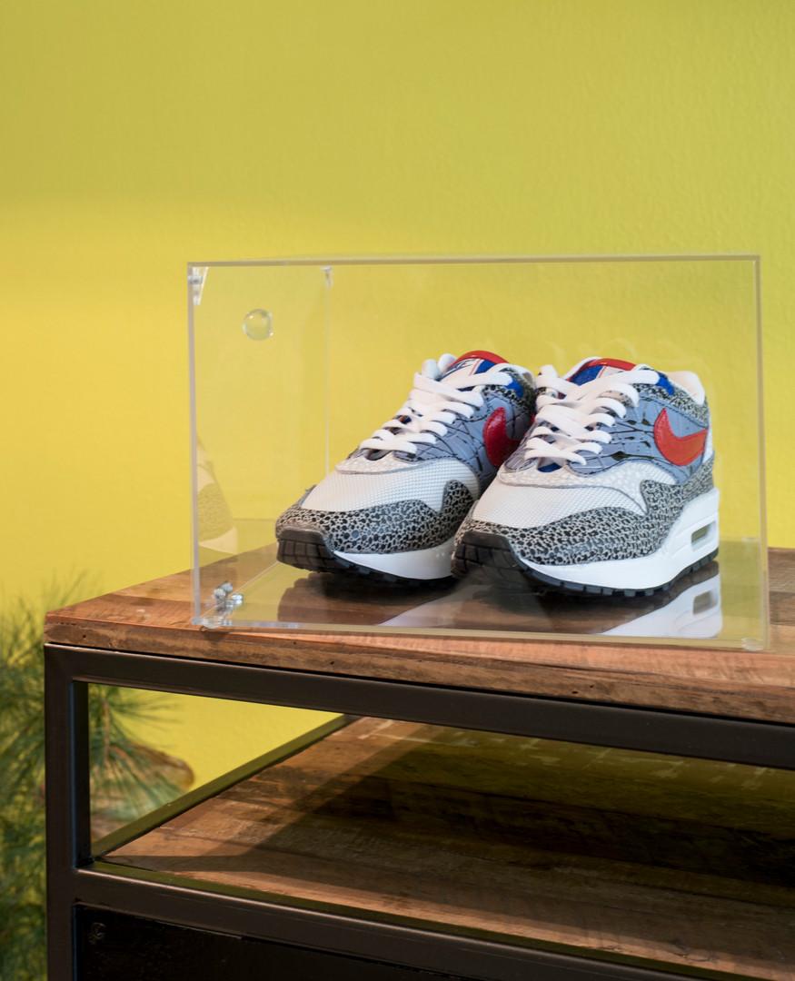 Sneakerbar__toonbank.JPG