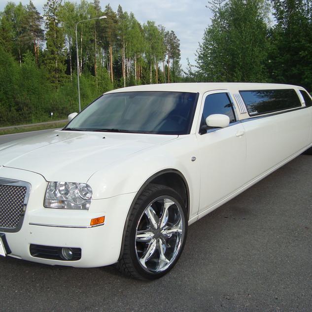 Limusiini, Chrysler 300 (vm 2008)
