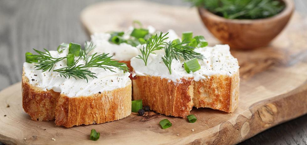 Tuorejuusto sopii leivälle, herkutteluun ja ruoanlaittoon.