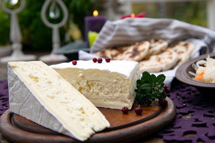 Zammin pehmeät ja täyteläiset valkohomejuustot ja brie-juustot.