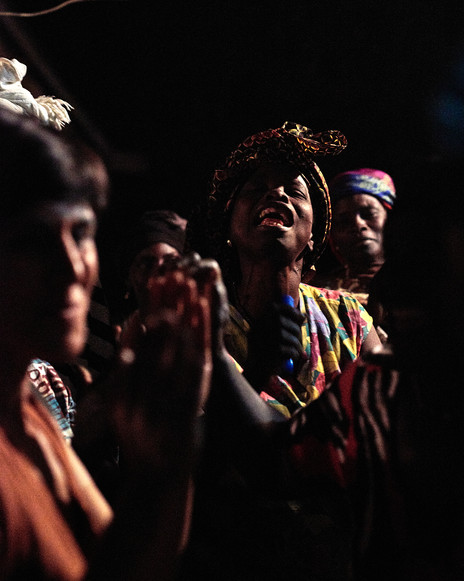 M'Balia Camara singing, Modiya