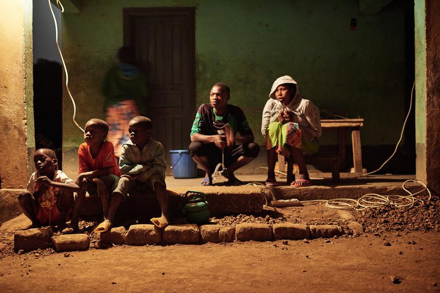 Modiya kids at night