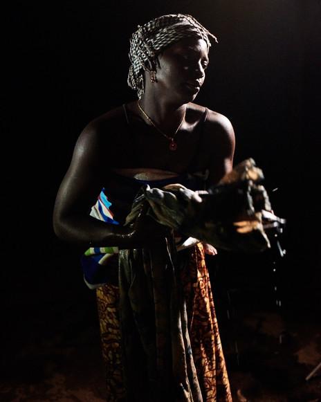 """N'Mambi"" Fatoumata Souma indigo dyeing fabric. Modiya, 2020"