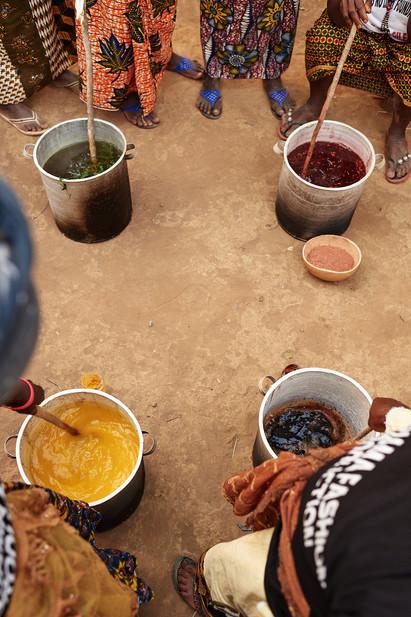 Natural dye pots, Modiya