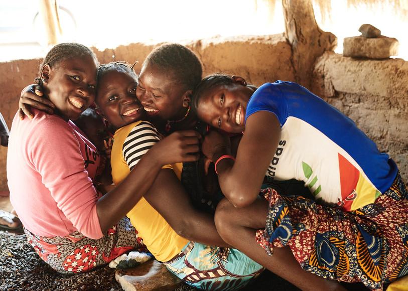 Young girls in hut, Modiya