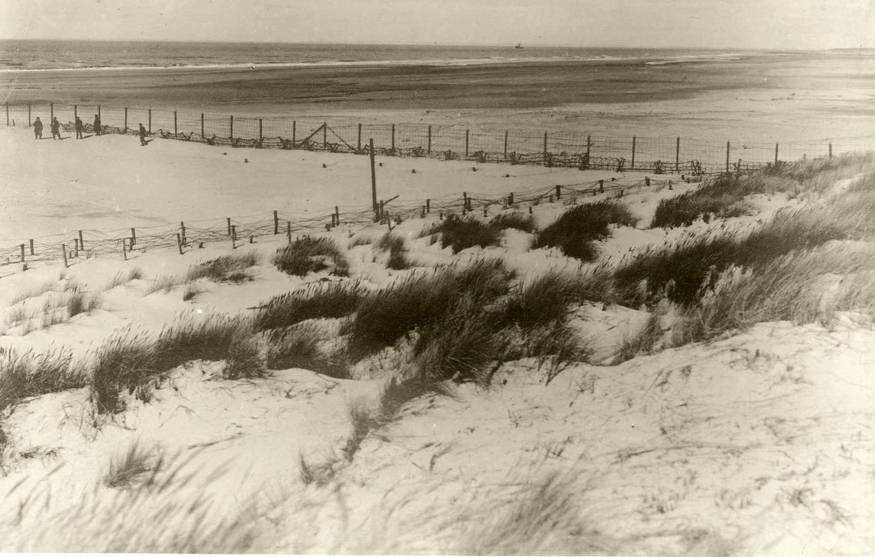 Dodendraad op strand in Knokke