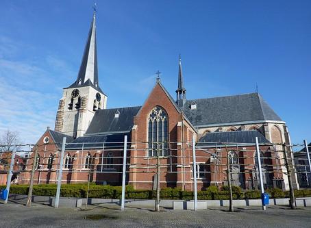 De Heilige Catharina 'op het droge'. De kerk van Stabroek doorheen de eeuwen.