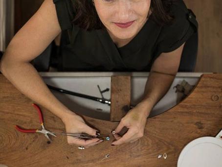 Lys Joalheria Artesanal: quando uma designer de produto assume a bancada de ourives